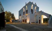 Foto esterno Masseria Torre Coccaro